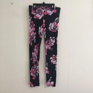 Pants - Floral Flexible Black Leggings
